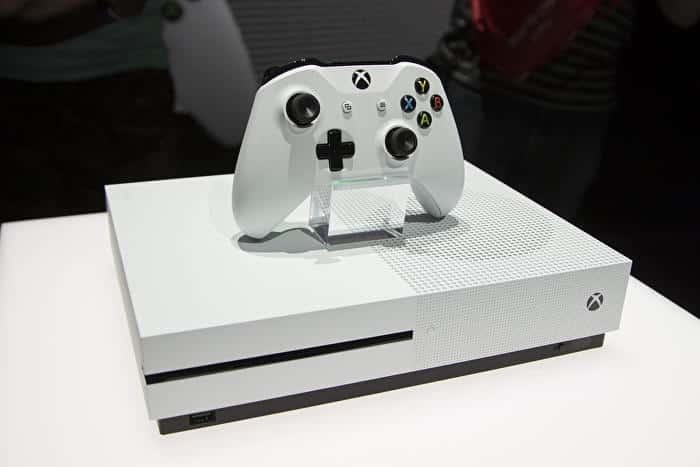 """Microsoft : """"les futures Xbox One plus puissantes que les PS4"""""""